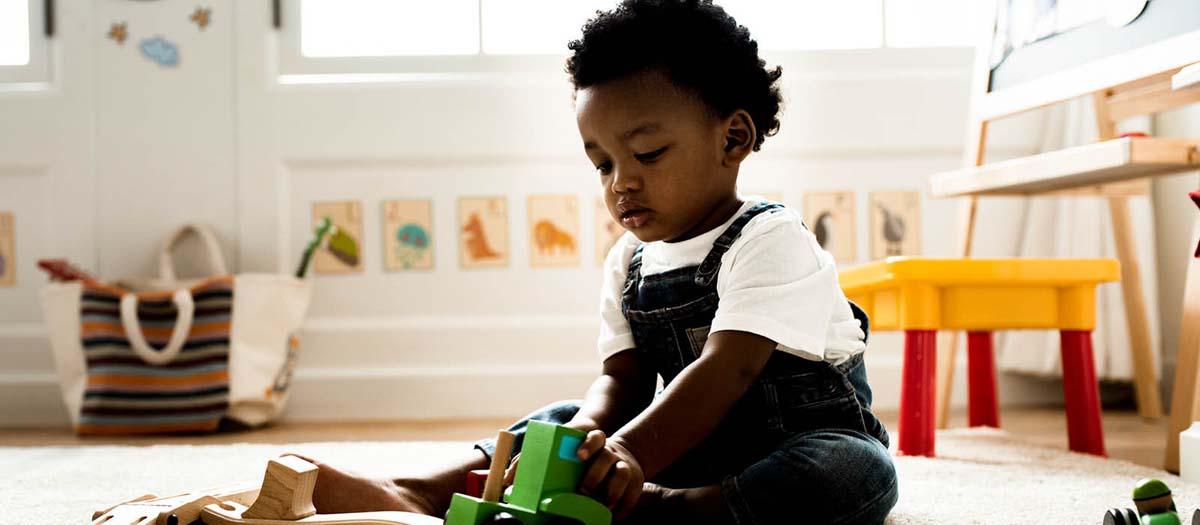 Toddler plating with blocks